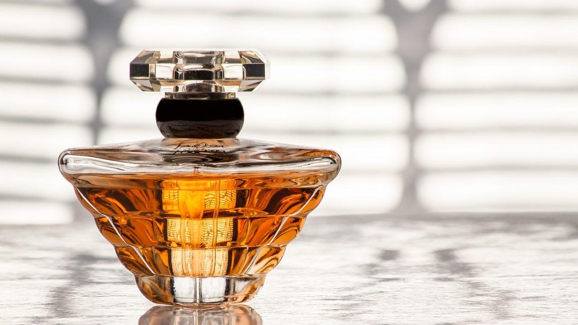Le parfum : le cadeau idéal pour faire plaisir à sa femme