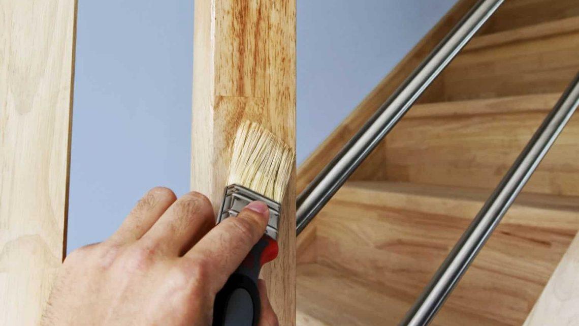 La peinture pour bois : comment préparer le support?